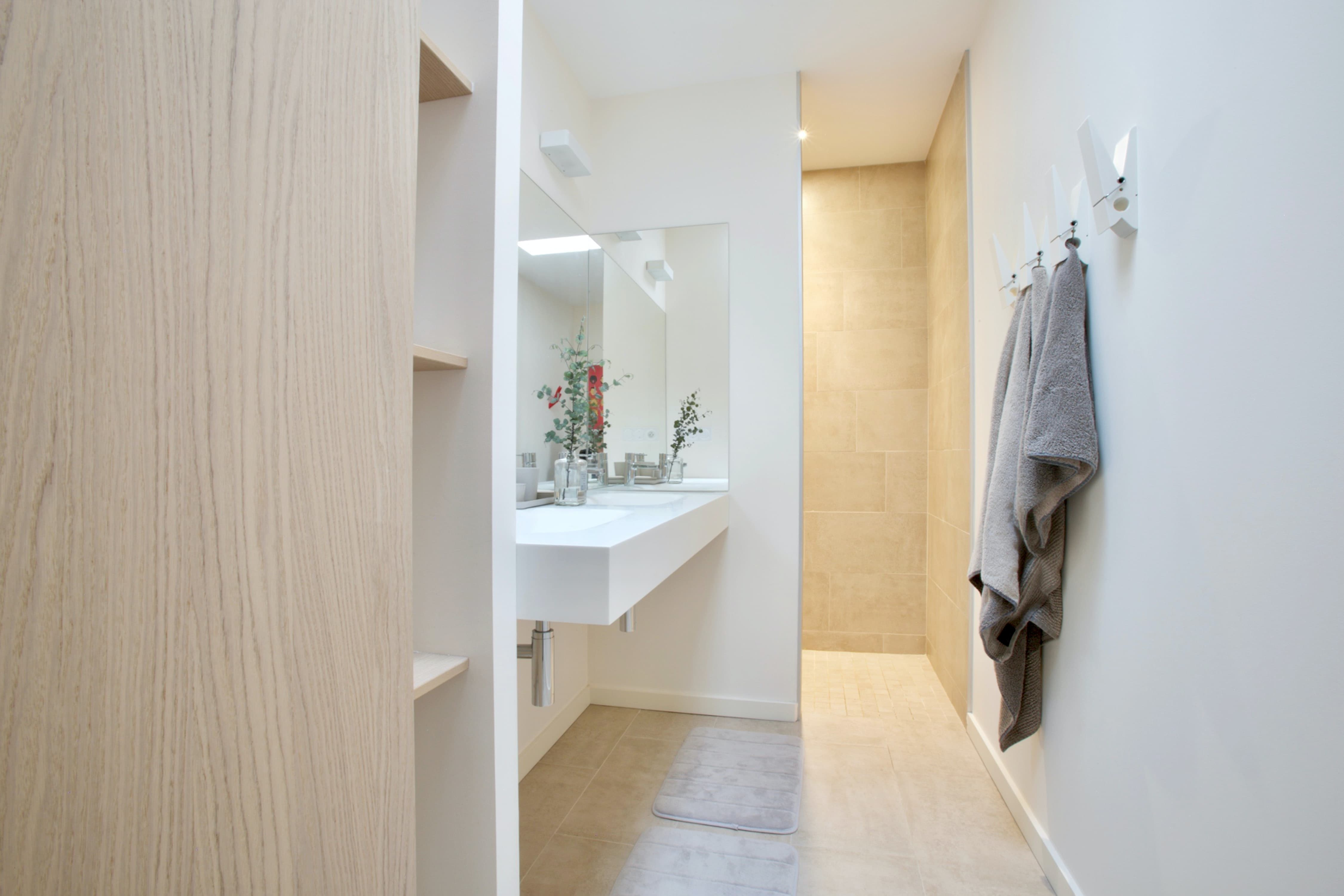 Un Baño Estrecho Y Largo Toma Estas Ideas De Decoración